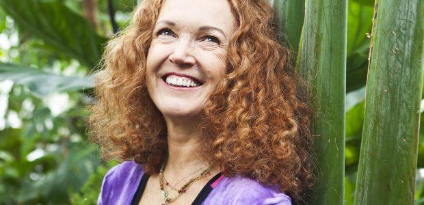 E. Tombak: esu orų mergaitė, kuri praktikuoja jogą