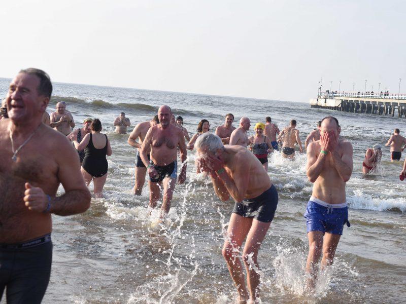 Sveikuoliai paniro į Baltijos jūrą