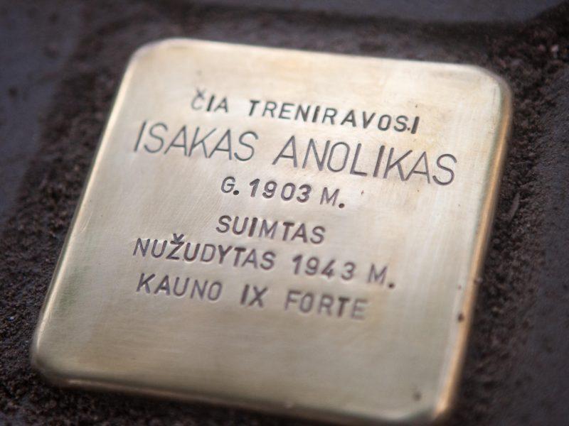 """Kaune – pirmieji Holokausto aukų ,,Atminimo akmenys"""""""