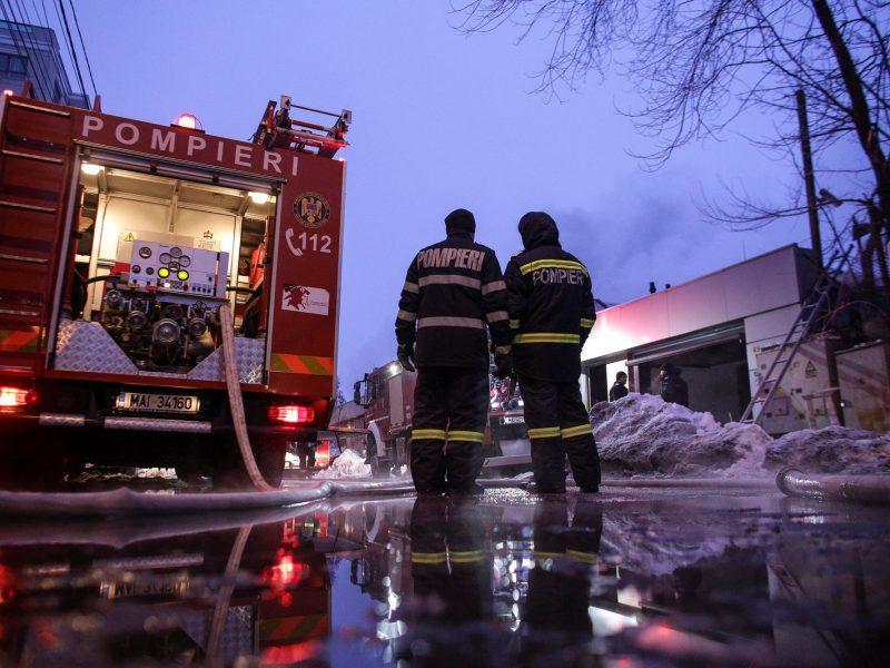 Bukarešto naktiniame klube kilus gaisrui hospitalizuoti beveik 40 žmonių