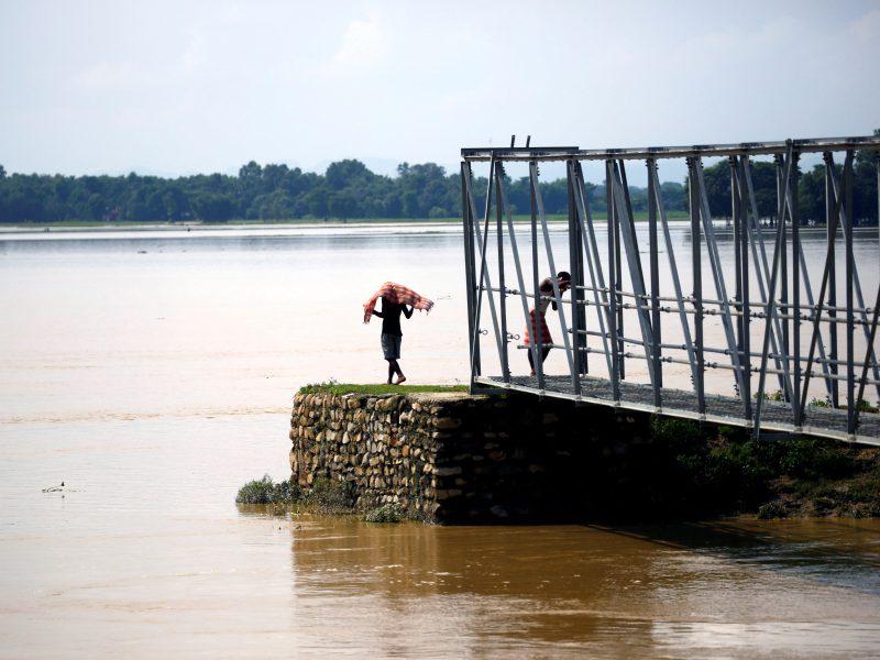 Indijoje, Nepale ir Bangladeše potvynių aukų padaugėjo iki 165