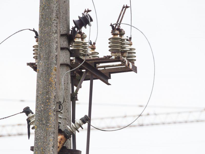 Dėl siautusios audros elektros dar neturi 700 gyventojų