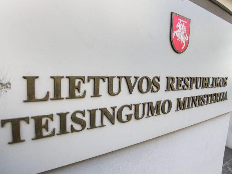 Naujieji teisingumo viceministrai – teisininkai I. Gudžiūnaitė ir E. Jurkonis