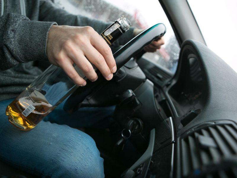 Vyriausybė įteisino antialkoholinius užraktus automobiliuose
