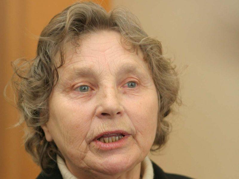 Laisvės premijos laureatė N. Sadūnaitė apdovanojimą atiduotų partizanams