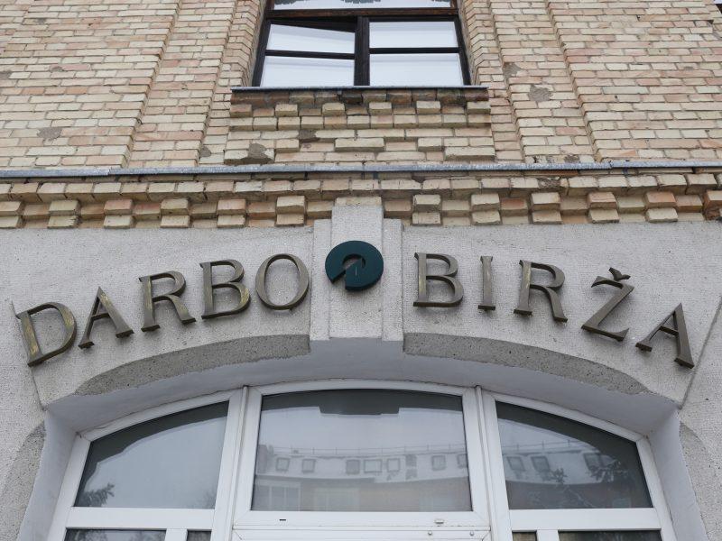 Darbo birža ketina savo darbuotojus apmokyti už beveik 800 tūkst. eurų