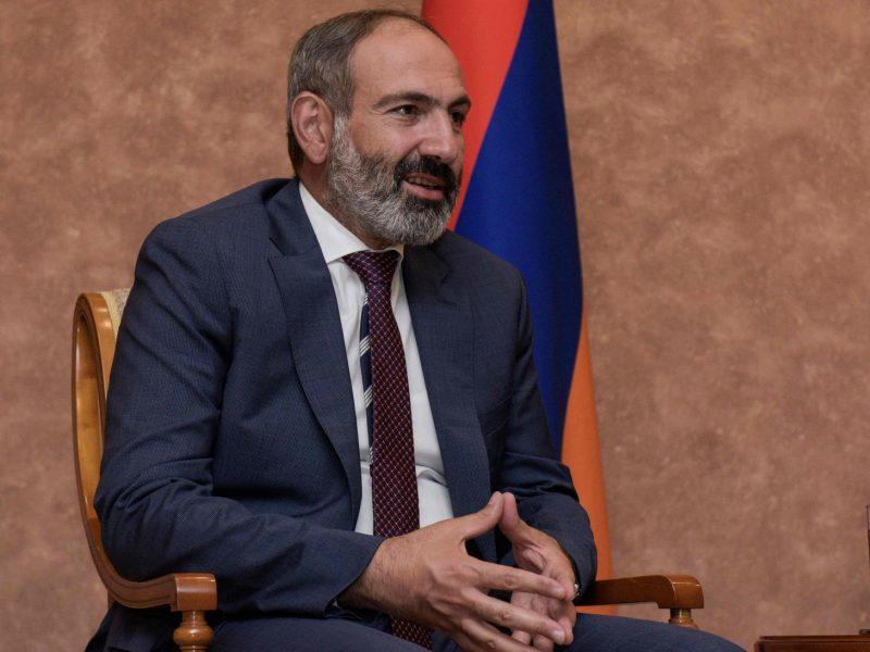 Naujasis Armėnijos premjeras atleido policijos ir saugumo tarnybos vadovus