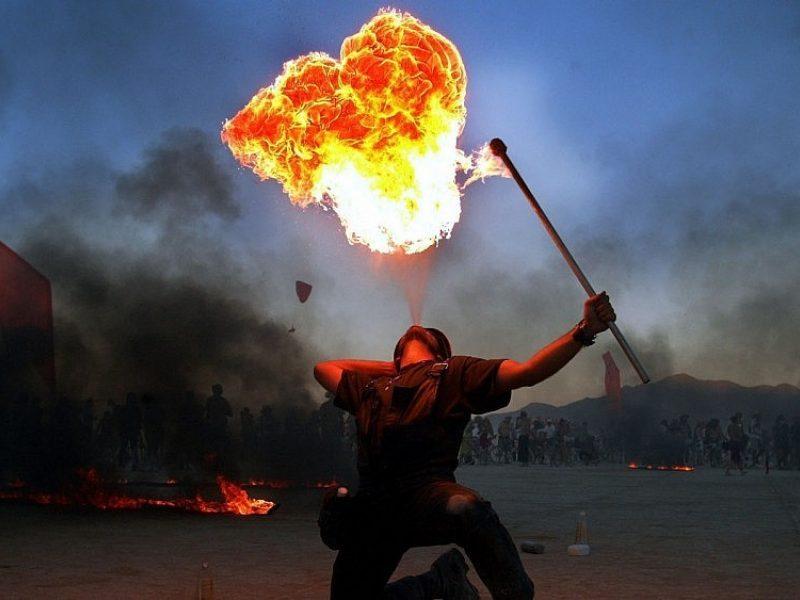 """Festivalio """"Burning Man"""" dalyvis: ten suveikia pirminiai instinktai"""