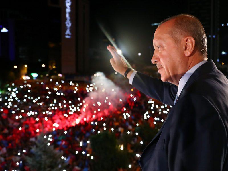 Apžvalgininkai perspėja: R. T. Erdoganas dar labiau sustiprins savo galias