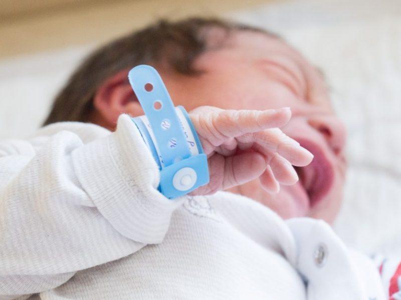 Į Vilniaus ligoninę dėl kraujo išsiliejimo į smegenis atvežtas kūdikis