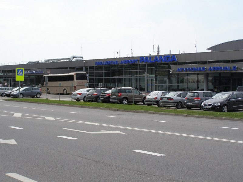 Klaipėdiečiai siautėjo į Palangą skridusiame lėktuve