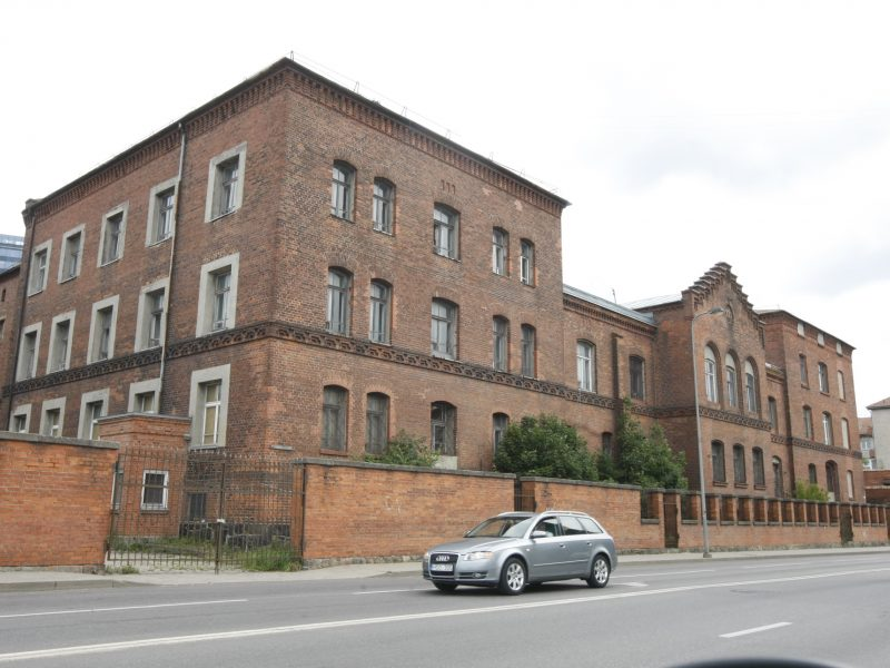 Svarsto, ar į senąjį Klaipėdos policijos pastatą perkelti teismus