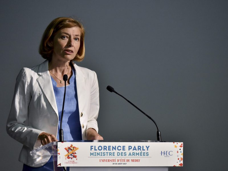 Prancūzija pradės naudoti ginkluotus nepilotuojamus orlaivius