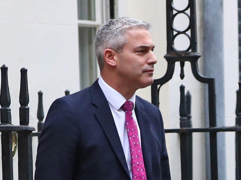 """Britanijos naujuoju """"Brexit"""" sekretoriumi siūlomas euroskeptikas S. Barclay"""