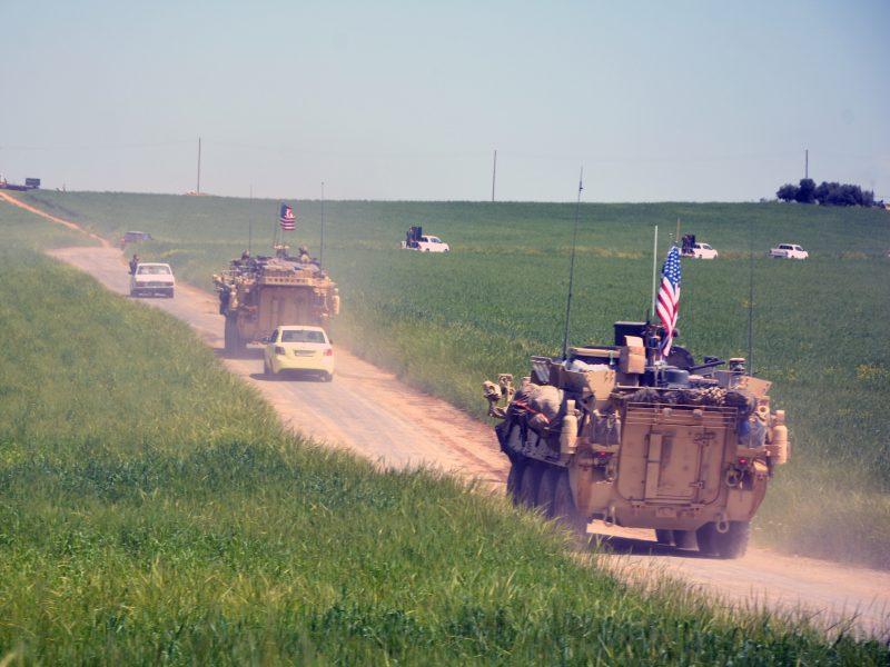 Pentagonas: kariai iš Sirijos kol kas neatitraukiami