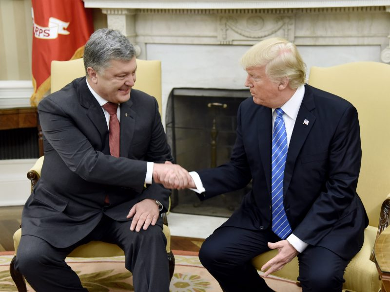 D. Trumpo teisininkui sumokėta už suorganizuotą JAV ir Ukrainos prezidentų susitikimą