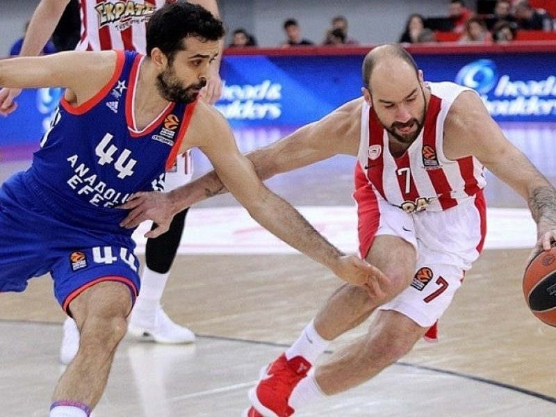 """""""Olympiakos"""" pratęsė """"Anadolu Efes"""" komandos nesėkmių Eurolygoje seriją"""