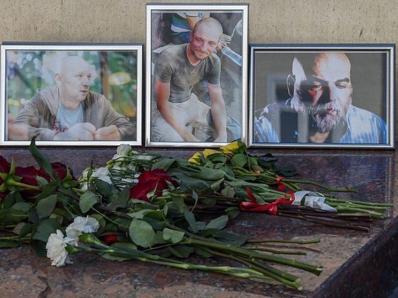 Rusija atmeta pranešimą, siejantį nužudytus žurnalistus su V. Putino sąjungininku