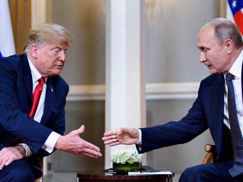 Prasidėjo D. Trumpo ir V. Putino derybos