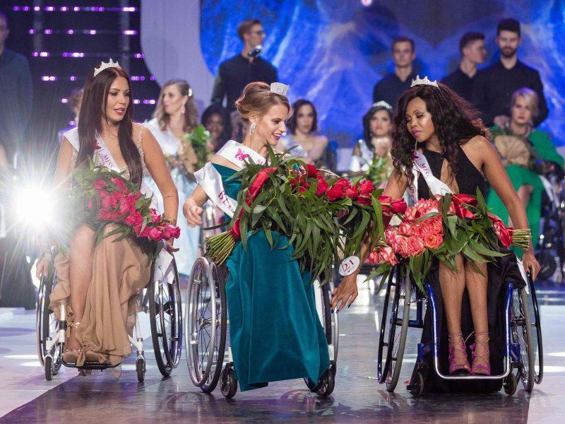 """Lenkijoje įvyko """"Mis pasaulis"""" konkursas, kuriame dalyvavo neįgalios moterys"""