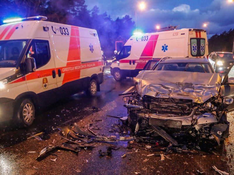 Plungės rajone per avariją sužeistieji buvo gabenami į kelias ligonines