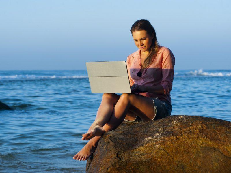 Nuotolinio mokymosi galimybės: šiuolaikinės technologijos leidžia pasijusti studentu