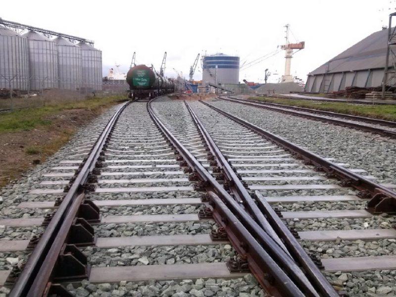 Uosto geležinkeliai mažina automobilių srautą mieste