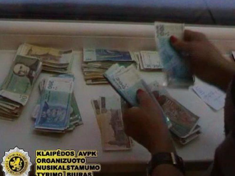thomson pakartoja pasaulinę prekybos užsienio valiuta sistemą)
