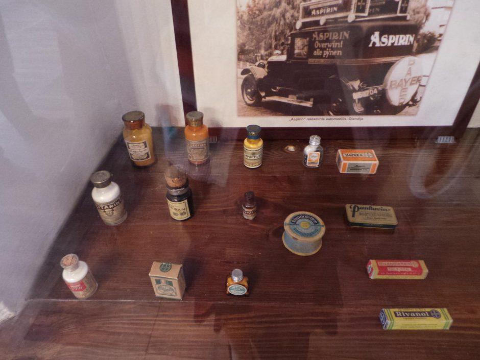 Paroda nukelia į laikus, kai aspirinas buvo parduodamas už aukso kainą