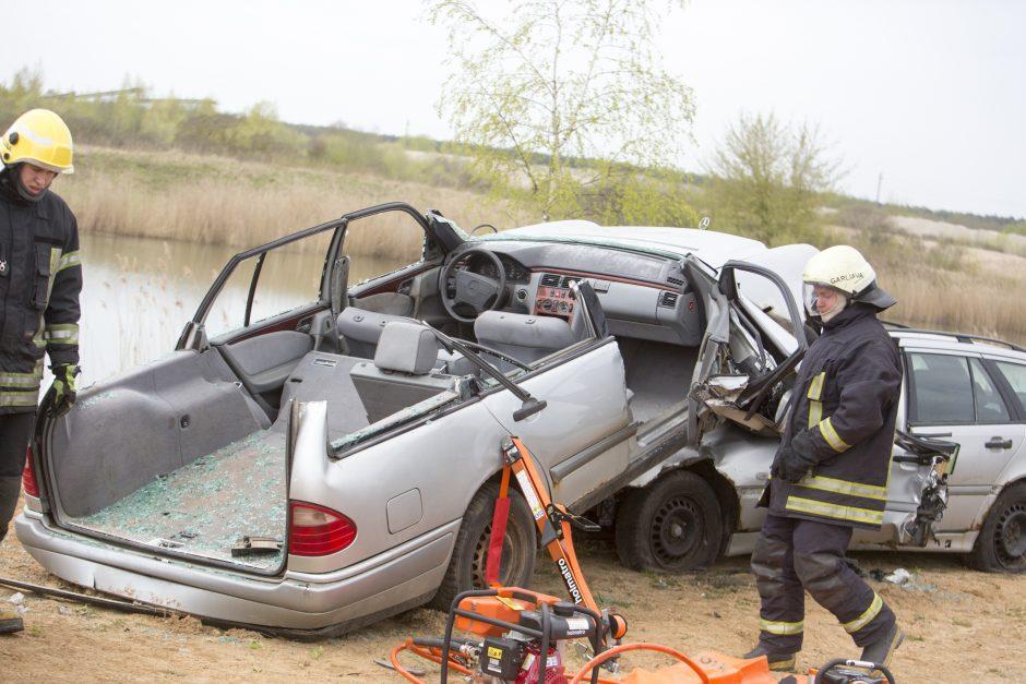 Kauno rajone – baisios nelaimės vaizdai