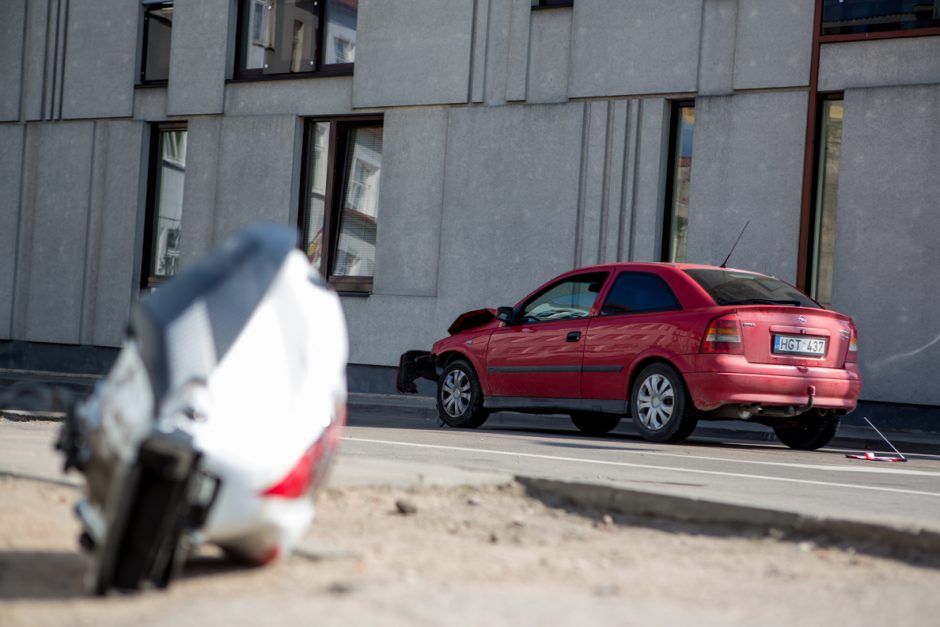 Kauno centre – motociklo ir automobilio avarija