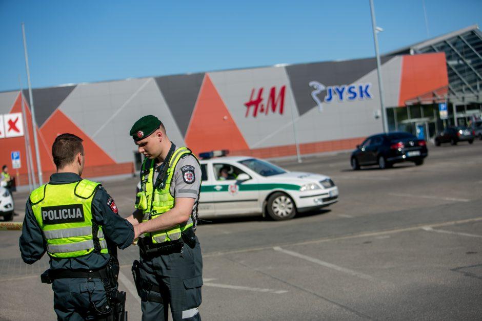 """""""Aro"""" pareigūnai baigė operaciją prekybos centre """"Molas"""""""