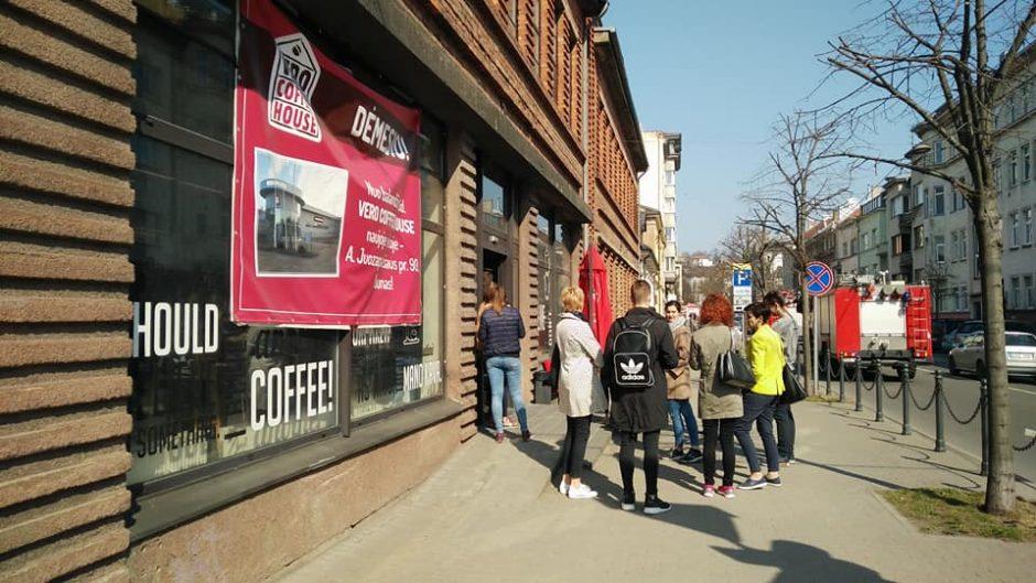 """Aliarmas """"Vero Cafe"""" – dėl užsidegusios skrudintuvės"""