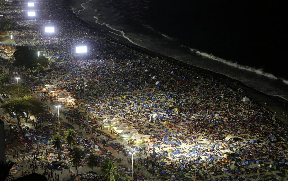 Popiežius Brazilijoje parėmė jaunimo permainų siekį
