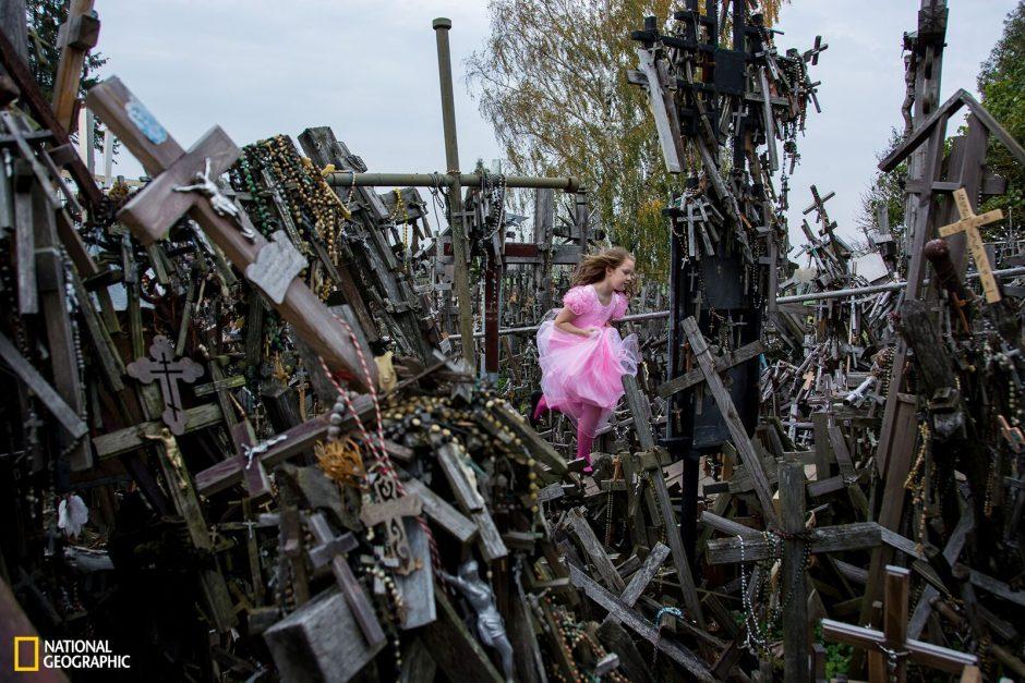 """Kryžių kalno nuotrauka – tarp pasaulinių """"National Geographic"""" laureatų"""