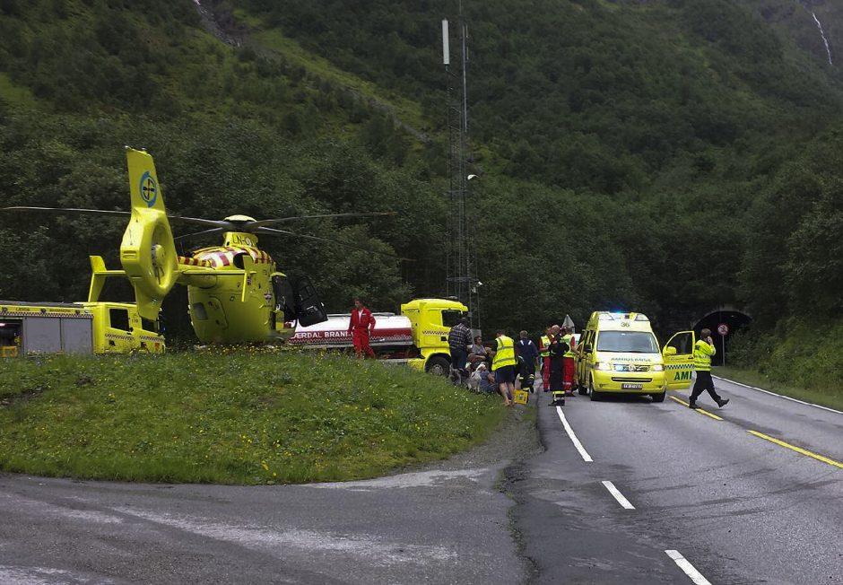Norvegijoje dėl gaisro tunelyje 73 žmonės atsidūrė ligoninėje (papildyta)