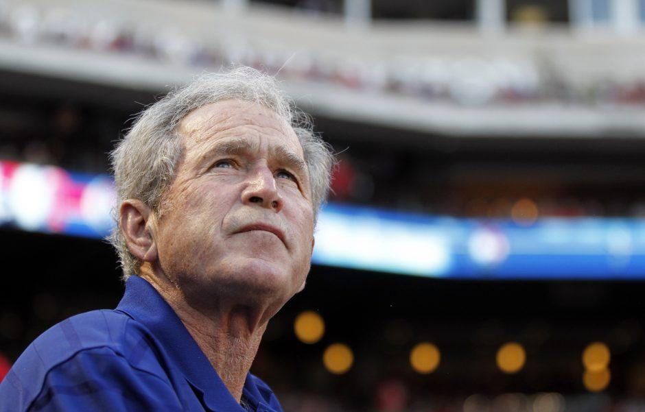 G.W.Bushas po procedūros širdies arterijoje jaučiasi gerai