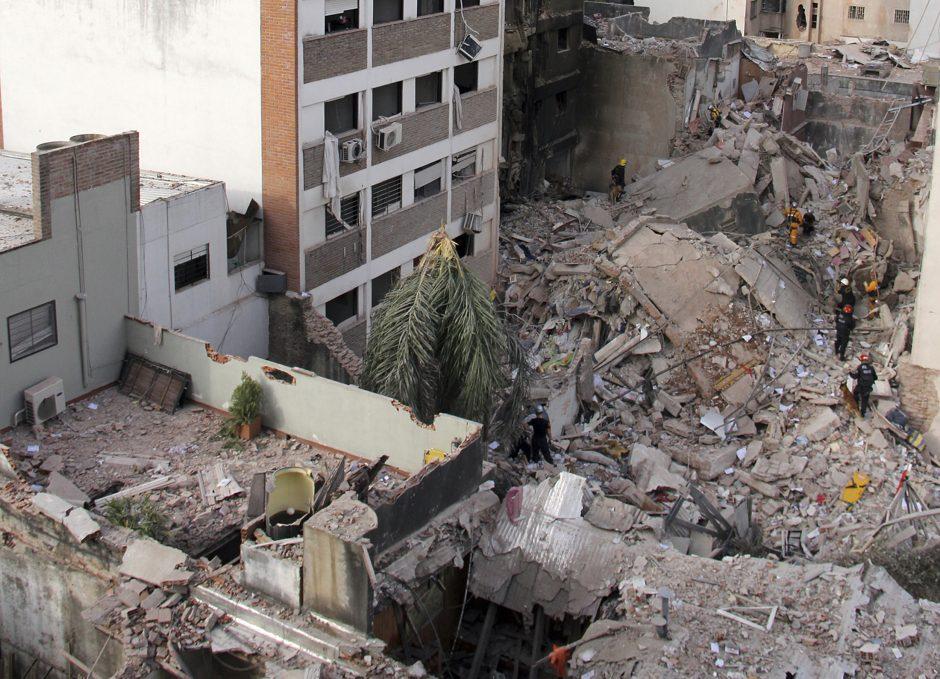 Argentinoje po dujų sprogimo gyvenamajame pastate yra aukų ir sužeistųjų