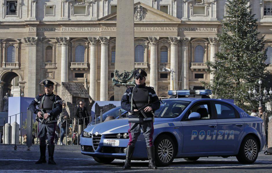 Italijoje suimtas taliu savo šeimą nuodijęs vyriškis
