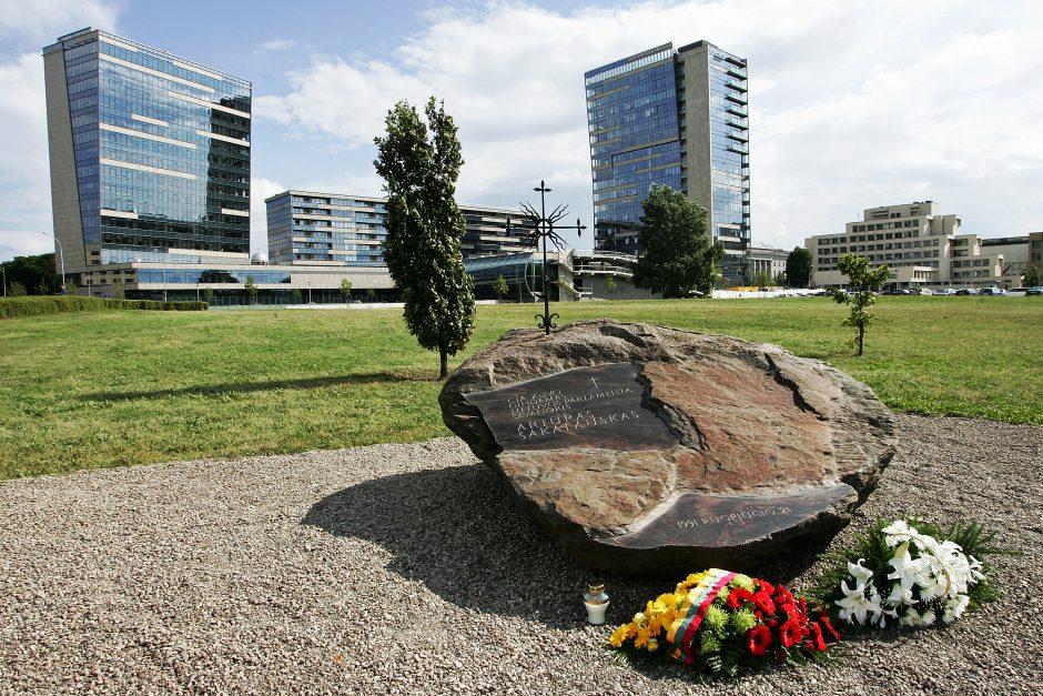 Vilniuje pagerbtas paskutinės sovietų okupacijos aukos, parlamento gynėjo A.Sakalausko atminimas