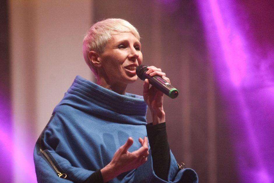Atlikėja Giedrė dainą apie egoistišką meilę parašė akimirksniu