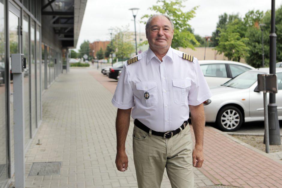 Metų jūrininku išrinktam kapitonui nebaisu likti krante