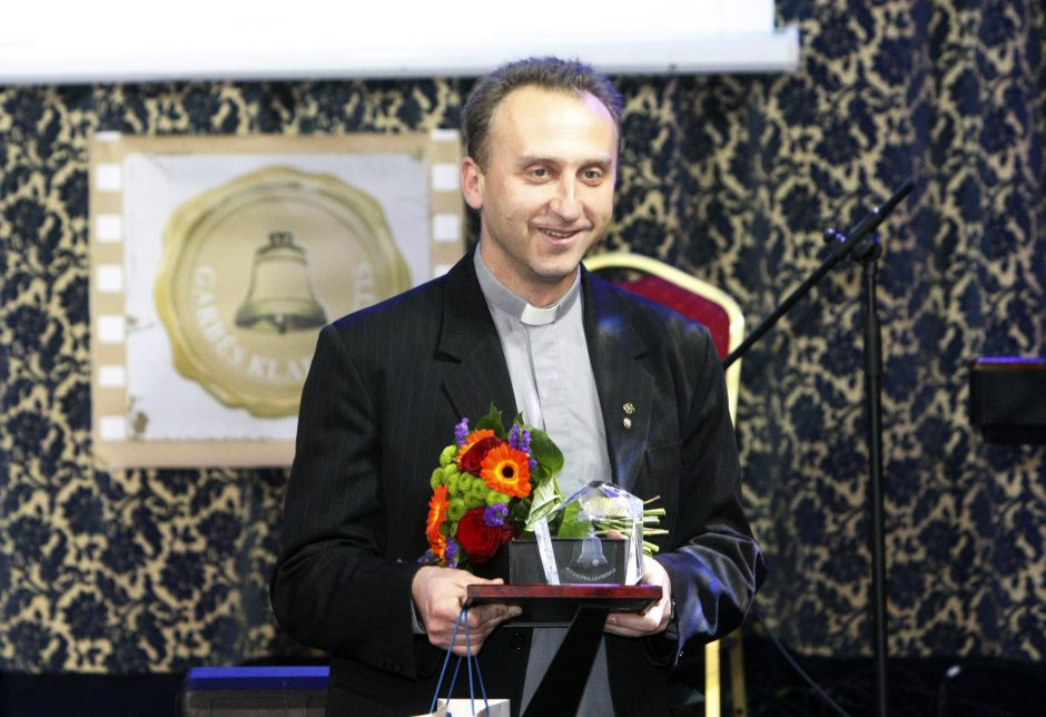 Garbės klaipėdietis – kunigas V. Viktoravičius