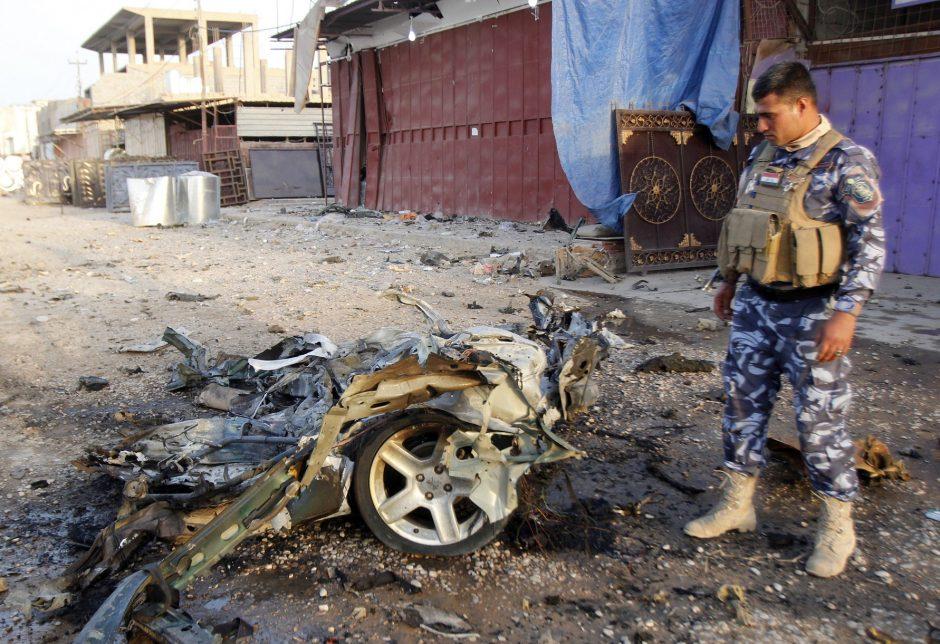 Irake smurto išpuolių aukų padidėjo iki 51