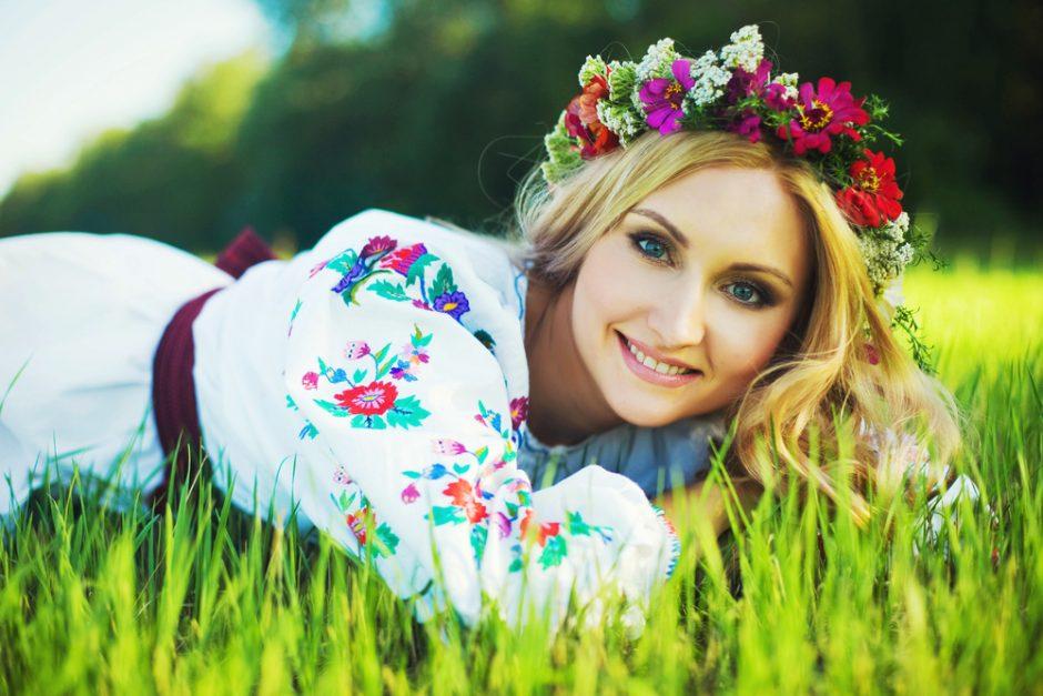 Tautiniai ukrainiečių rūbai atstoja džinsus