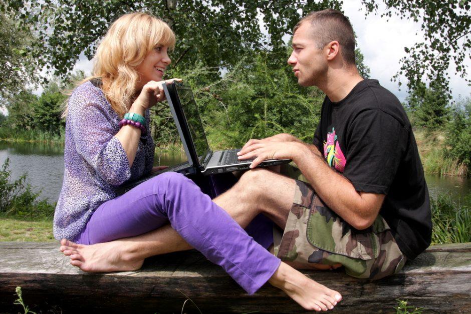 Kokią įtaką internetas daro santykiams?