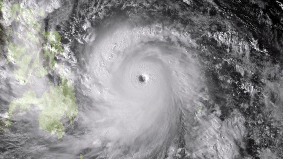 JT: supertaifūnas pareikalavo 10 tūkst. gyvybių vos viename Filipinų mieste