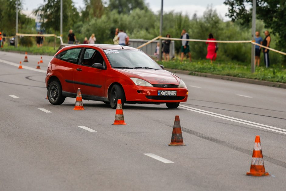 Automobilių slalomo varžybos Klaipėdoje