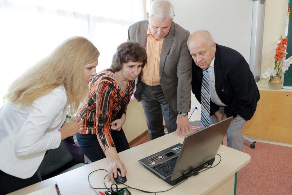 L. Stulpino progimnazija jau naudojasi elektronine naujove