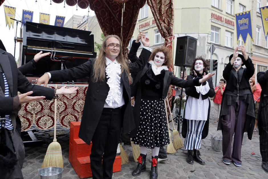 Muzikiniame vežime – karališkos improvizacijos